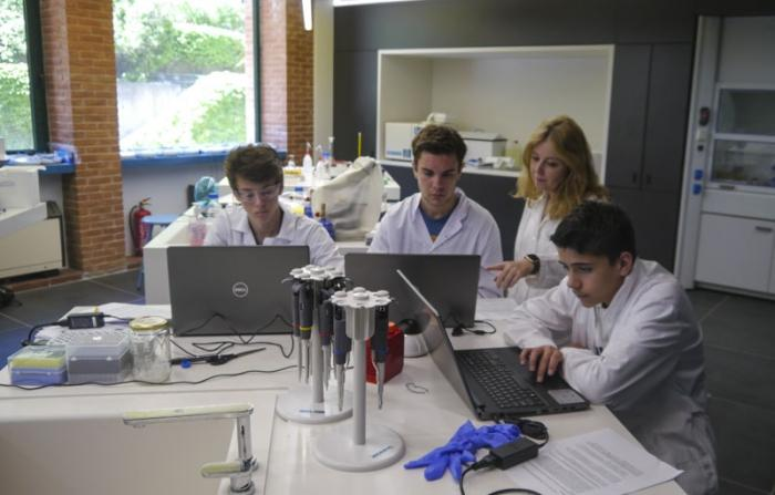 "Spending the summer at ACT in the ""Biotechnology Camp"""