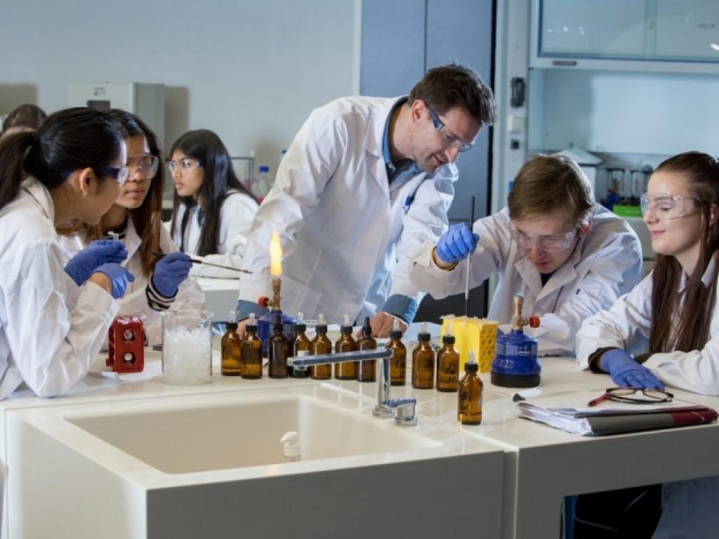 """Dr. Asteris Grigoroudis: A """"Cool Chem Teach."""""""