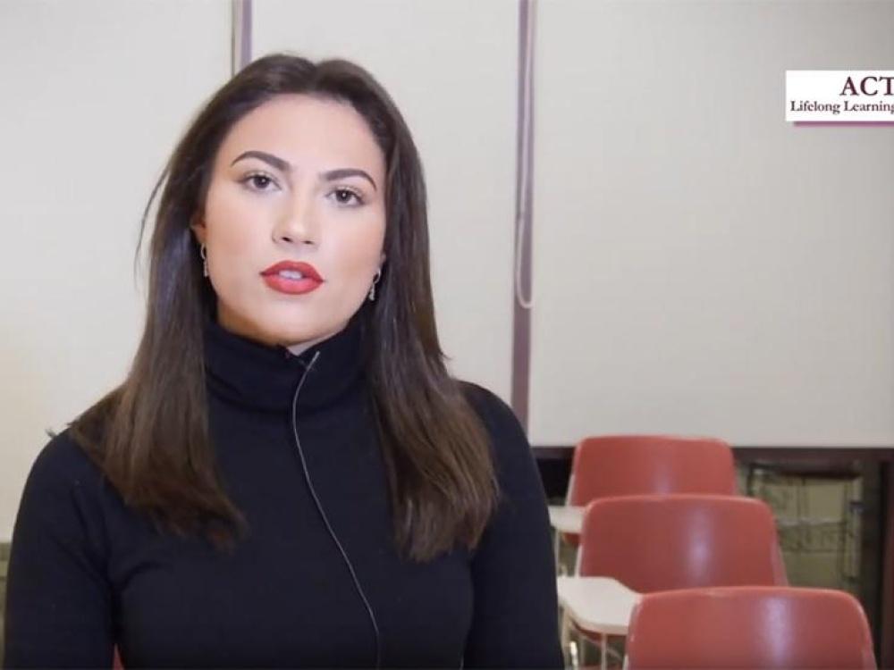 Αθηνά Μπρέντα - Φοιτήτρια