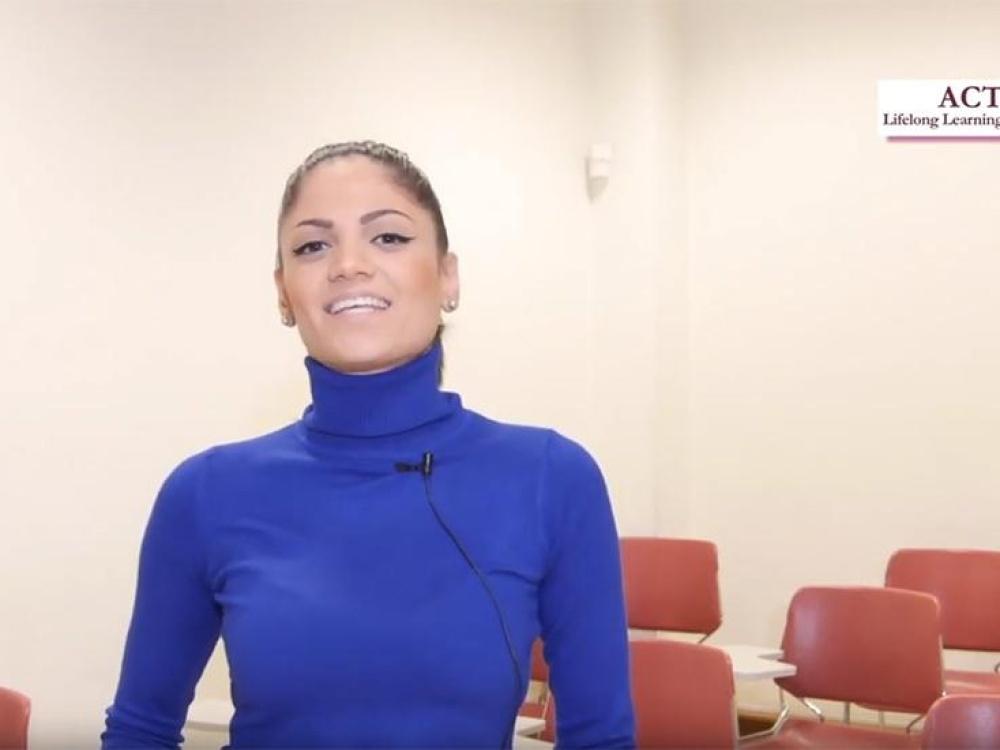 Στέλλα Γούναρη - Zazuela Online Boutique, Owner